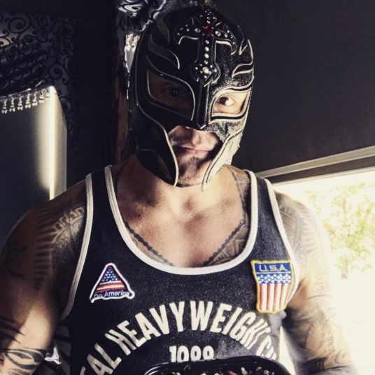 REY MYSTERIO RETURNING TO WWE