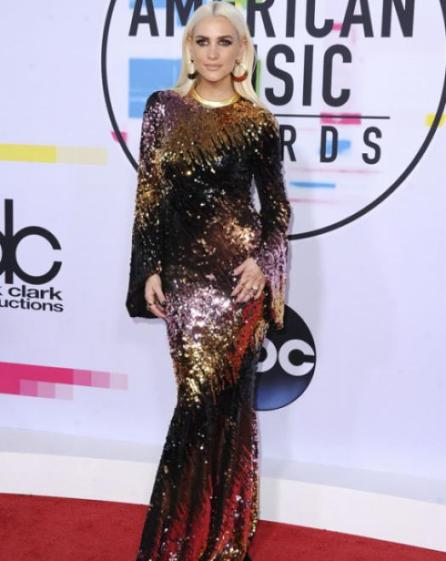 Ashlee Simpson - American Music Awards 2017 - Credit Getty Images (2)