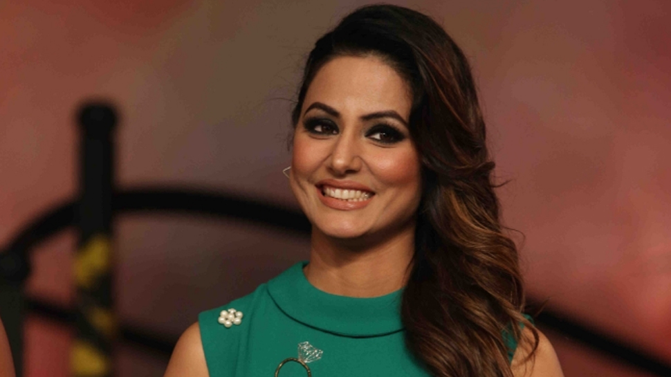 Hina Khan threatens to quit social media, says 'stop trolling, spread love'